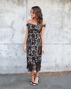 Best Of Me Lace Midi Dress - Black
