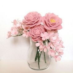 63 ideas flowers diy felt wedding bouquets for 2019 is part of Felt flower bouquet - Paper Flowers Diy, Handmade Flowers, Flower Crafts, Fabric Flowers, Felt Diy, Felt Crafts, Diy And Crafts, Flower Vase Design, Felt Flowers Patterns