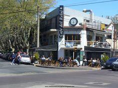 Café El Reloj. No es un antiguo cafe, pero si otro clasico, de la linda zona de Vilal Devoto, Buenos Aires.