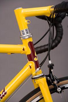 Yello bike head tube.jpg 600×900 pixels