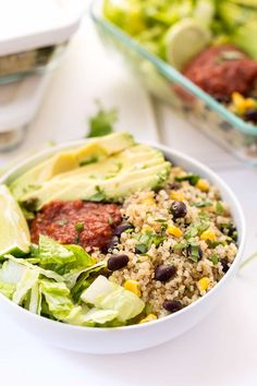 Vegetarian Quinoa Burrito Bowls -- perfect for meal prep and ready in under 20 minutes! All clean eating ingredients are used for this healthy quinoa recipe. Pin this whole grain recipe now to make during meal prep later. Vegetarian Meal Prep, Vegetarian Recipes Easy, Healthy Meal Prep, Lunch Recipes, Mexican Food Recipes, Healthy Snacks, Healthy Recipes, Eating Healthy, Clean Eating