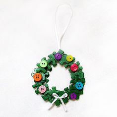 Puzzle Wreath Ornament | Crafts | Spoonful