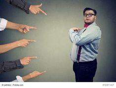Beziehungsende: Wie kann man(n) sich gegen üble Nachrede oder Rufschädigung wehren - Eine Trennung ist nie schön und meist bleibt ein überaus verletzter Partner zurück. Das Leiden ist so groß, sodass Rachegefühle aufkommen, die häufig in einer Rufschädigung enden. Üble Nachrede ist ein großes Problem, denn sie kann weit reichende Konsequenzen haben. Doch wie kann man sich dagegen w - #Trennung #Männermagazin #derneuemann