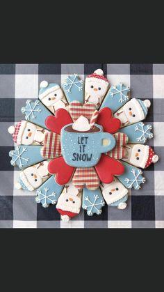 Let it snow Christmas cookie platter Snow Cookies, No Bake Sugar Cookies, Sugar Cookie Royal Icing, Fancy Cookies, Iced Cookies, Cute Cookies, Cupcake Cookies, Cupcakes, Cookies Vegan