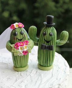 Saguaro cactus wedding cake topper personalized by PerlillaPets