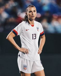 Team USA makes their World Cup 2019 entrance today again Thailand vs. -- How many goals is Alex Morgan going to score tonight? Nike Football, Nike Soccer, Alabama Football, American Football, College Football, Messi, Neymar, Inspirational Soccer Quotes, Morgan Usa