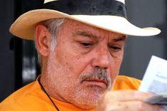 Ο Μάνος Κοντολέων, συγγραφέας, απαντάει στις 11+1 ερωτήσεις του Διονύση Λεϊμονή Panama Hat, Cowboy Hats, Panama