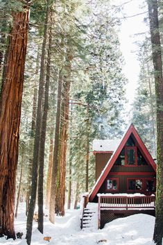 A Modern Rustic A-Frame Cabin - Front + Main Take a tour of this Lake Tahoe home on. Winter Cabin, Cozy Cabin, Cozy House, A Frame House, Cabins And Cottages, Log Cabins, Tahoe Cabins, Little Cabin, Mountain Living