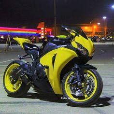 🚲 — motorcycles-and-more: Honda CBR Honda Cbr 1000rr, Motos Yamaha, Yamaha Motorcycles, Moto Bike, Motorcycle Bike, Honda Sport Bikes, Best Motorbike, Custom Sport Bikes, Chopper Bike