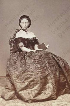 Queen Victoria's daughter Princess Alice of the UK (later of Hesse), mother of the last Russian Tsarina, Alexandra Queen Victoria Children, Queen Victoria Family, Queen Victoria Prince Albert, Victoria And Albert, Royal Families Of Europe, British Royal Families, Queen Victoria's Daughters, Victoria's Children, Otto Von Bismarck