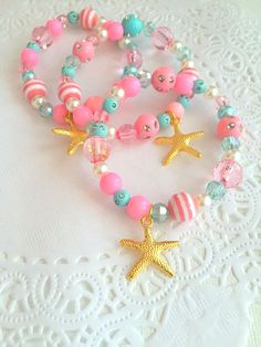 SET of TEN. Starfish mermaid birthday party favor by buysomelove Little Girl Jewelry, Kids Jewelry, Jewelry Crafts, Jewelry Making, Bubble Necklaces, Girls Necklaces, Kids Necklace, Custom Jewelry, Handmade Jewelry