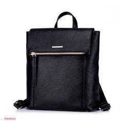 Czarny plecak z ozdobnym zamkiem