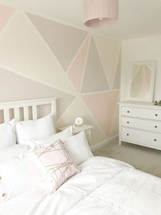 DIY Geometric Feature Wall - Decoration For Home Feature Wall Bedroom, Girl Bedroom Walls, Bedroom Colors, Girl Room, Painted Feature Wall, Kids Bedroom Paint, Girls Room Paint, Paint Bathroom, Feature Walls