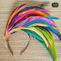DIY Tiaras para o Carnaval - costume crazy - Carnaval Diy Tiara, Mason Jar Crafts, Mason Jar Diy, Diy Headband, Headbands, Costume Carnaval, Hyacinth Flowers, Headdress, Feather Headpiece