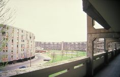 The 'Streets in the Sky', the Crescents, Hulme, Manchester, UK, c.1990.  Built 1972, demolished 1991.  Images by Len Grant, Paul Tomlin, Image Aviation and Harry Milligan.  http://manchesterhistory.net/manchester/gone/crescents.html