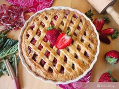 Epres rebarbara pite | Sütidoboz.hu Strawberry Rhubarb Pie, Quiche, Waffles, Food And Drink, Healthy Eating, Sweets, Baking, Breakfast, Chef Recipes