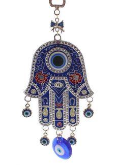 La mano di Fatime e l'occhio di Allah. Questo simbolo prende il nome da Fatima Zahra che era la figlia del profeta Muhammad. La mano di Fatima è un simbolo riconosciuto in tutto il mondo e si può trovare in una gran varietà di dimensioni e stili. Le dita possono essere raffigurate l'una affiancata all'altra per portare fortuna, oppure ciascuna staccata dalle altre in segno di protezione.
