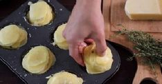 Parmesan potato stacks 3 teaspoons butter 2 teaspoons Parmesan cheese 1 teaspoon garlic powder 1 teaspoon thyme leaves salt freshly ground black peppeer gold potatoes, cut into inch slices Potato Snacks, Potato Dishes, Food Dishes, Potato Tots, Potato Rice, Potato Recipes, Parmesan Potato Stacks Recipe, Parmesan Potatoes, Roasted Potatoes