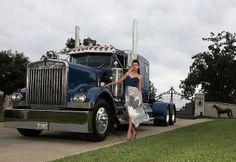 Great photo. Love that Kenworth!