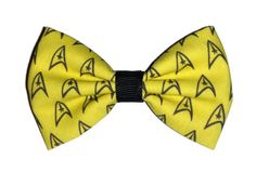 Star Trek Star Fleet Themed Fabric Hair Bow on a double prong alligator clip. (approx 3 inches in length)  *This is a transformative piece of fiber art made with upcycled material. I am in no way affiliated with the original copyright holders, and this is not an officially licensed item.*  <3