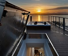 Modern Rooftop Living in Seattle by BUILD LLC