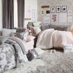 43 cute dorm rooms ideas for girls we're obsessing over 1 Cute Dorm Rooms, College Dorm Rooms, Farmhouse Side Table, Teen Girl Bedrooms, Teen Bedroom, Dream Rooms, My New Room, Small Rooms, Small Apartments