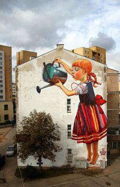 Natalia Rak e seu gigantesco grafite em Bialystok, Polônia