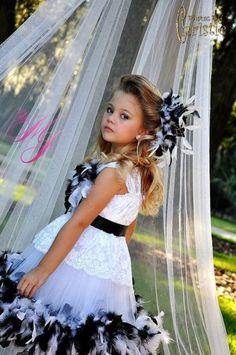Black n White Lace Feather Girls Dress #timelesstreasure.theaspenshops.com