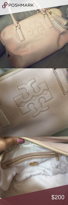 Tory burch bag Tory burch bag....very good condition. This is absolutely the lowest price for this item so plz no requests for trade or any lower offers than the proce listed will be accepted Tory Burch Bags Totes