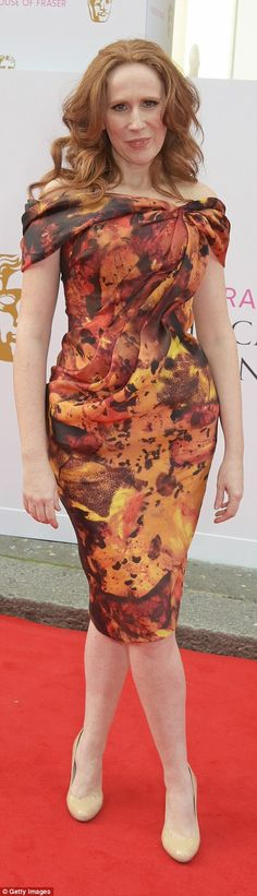 Catherine Tate wore a dress with too much ruching that swamped her frame and…