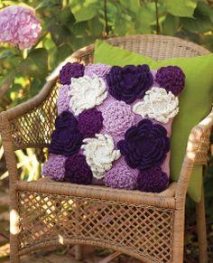 Wild Garden Pillow | crochet today
