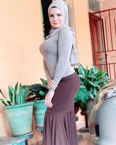 Beautiful Arab Women, Most Beautiful Indian Actress, Beautiful Hijab, Beautiful Asian Girls, Arab Girls Hijab, Girl Hijab, Islamic Clothing, Sexy Asian Girls, Fashion 2020