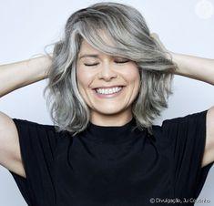 Grey Hair At 40, Grey Hair Inspiration, Crayon Set, Going Gray, Beauty Shots, Layered Cuts, Silver Hair, Hair Makeup, Hair Cuts