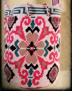 48 отметок «Нравится», 5 комментариев — Jesulaa Arte Wayuu (@jesulaa_artewayuu) в Instagram: «Hermosa mochila en tonos suaves, diseño floral ideal para esta temporada, trabajo hecho a mano por…»