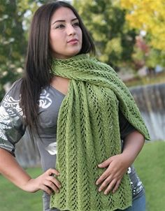 Green shawl made with a loom