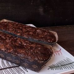 Chocolatudo de Banana na linda porcelana Samambaia da @thaismor_atelier  #bolo #bolofofo #feitopormim #cake #handmade #cozinhadeverdade #bolobh #igersbolo #igerscake #euquefiz #cakeoftheday #cakelover #amantesdebolo #feitocomcarinho #feitoemcasa #cookmagazine #cook #rebzanettimeinspira #foodgram #cozinharéumatorevolucionário #foodfotography #cakeoftheday #foodstyling #pormaisdiascombolo #instacake #feedfeed #f52grams #bhdicas #casaecomida #banana #chocolate