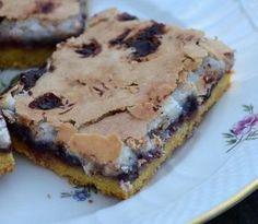 Sweets Cake, Cookie Desserts, Cupcake Cakes, Danish Cake, Danish Food, Mini Chocolate Cake, Chocolate Desserts, Sweet Recipes, Cake Recipes