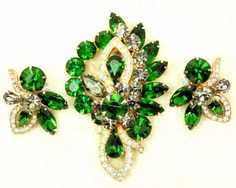 Deep Green Eisenberg Ice Rhinestone Brooch & Clip Earrings Jewelry Set, Vintage, Signed