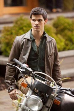 #TeamJacob Taylor Lautner as Jacob Black, just ughhh. Perfection. <3