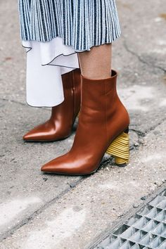 How amazing is the heel detail on these Balenciaga Parisian bistrot inspired ankle boots?