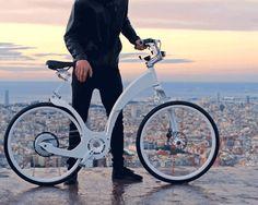 わずか数秒で普段愛用の自転車をパワフルな電動自転車に変えてしまうデバイス、add-e(エディー)のご紹介です。 ボトムブラケットプレートはプレスフィット68または73mm幅と互換性があります。これ以外の規格の場合、取り付けが出来ない場合がありますのでご注意下さい。 新技術をはじめ、高品質の素材や素晴