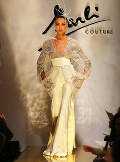 Fausto Sarli Couture.    #couture #sarlicouture #topmodel #dress #sarli #archive #glamour #glam #instagood #tailored #vip #atelier #madeinitaly #picoftheday #top #art #beauty #style #beautifulpictures #hautecouture