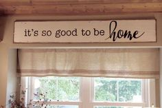 Wood Profit - Woodworking - 40 Rustic Wood Signs with Inspiring Messages of Hope - DIY Projects for Making Money - Big DIY Ideas Discover How You Can Start A Woodworking Business From Home Easily in 7 Days With NO Capital Needed! Distressed Wood Signs, Reclaimed Wood Signs, Rustic Wood Signs, Rustic Decor, Farmhouse Signs, Farmhouse Decor, Farmhouse Ideas, Diy Holz, Kitchen Signs