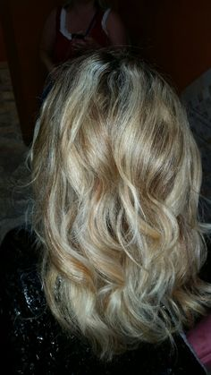#hilites #balayage #roots #irishcreamcafe
