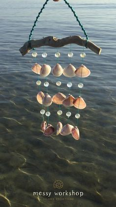 Seashell Wind Chimes, Wind Chimes Craft, Seashell Art, Seashell Crafts, Sea Glass Crafts, Sea Crafts, Nature Crafts, Diy Home Crafts, Seashell Projects
