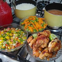 A imagem pode conter: comida Red Rice Recipe, Cooking Recipes, Healthy Recipes, Food Decoration, Diy Food, No Cook Meals, Family Meals, Food Inspiration, Dinner Recipes