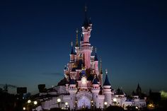 Night settles on Sleeping Beauty's Castle in Disneyland Paris cc licensed flickr photo shared by Rene Mensen