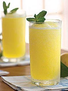 Frozen Pineapple Lemonade  | Cafe Milano | Pune