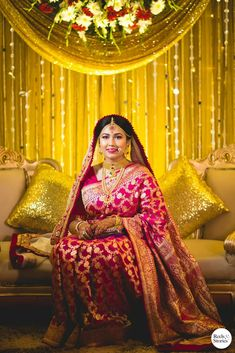 Red Saree Wedding, Indian Wedding Wear, Indian Bridal Outfits, Indian Bridal Fashion, Wedding Hijab, Wedding Stage, Indian Weddings, Indian Dresses, Bengali Bridal Makeup