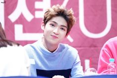 160214 UP10TION Incheon FansigningGyujinCr:  우주를 건너  Do not edit